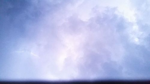 It's 9:15pm and lightning makes it look like daytime. (C) 1inawesomewonder.