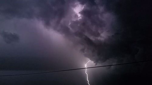 Glow of the bolt. (C) 1inawesomewonder.